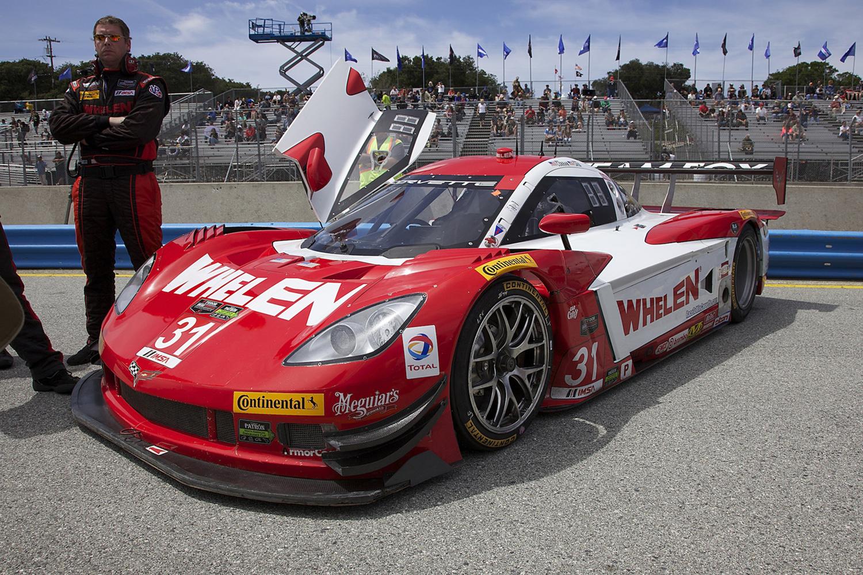 Whelen_Corvette_Pic_03R.jpg